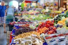 שוק ירקות ופירות
